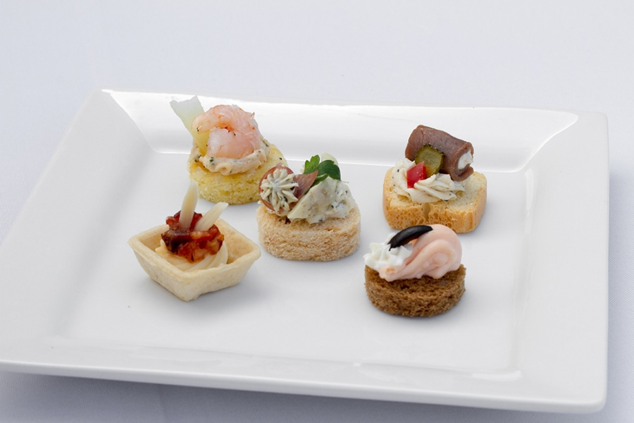 Cold canapes assortments party capanes assortments by for Canape shells